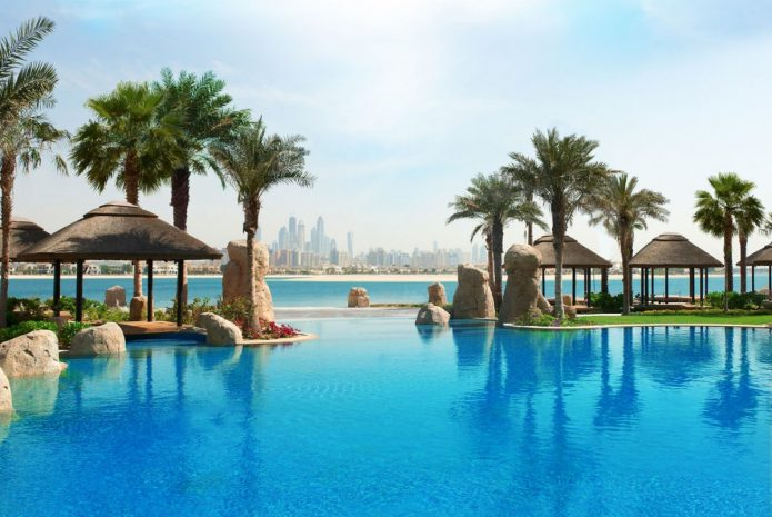 star-visual-pool-sofitel-the-palm-dubai